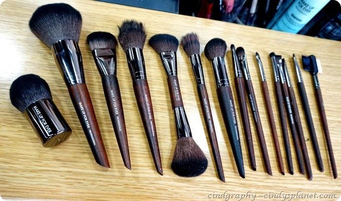 Make Up For Ever Artisan Brush1