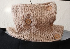 404 - Latte Flower Neckwarmer (2)