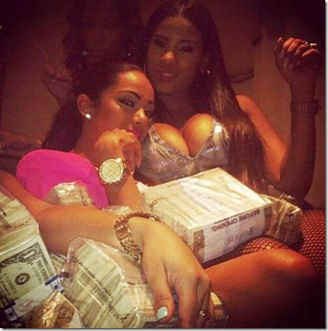 strippers-money-009