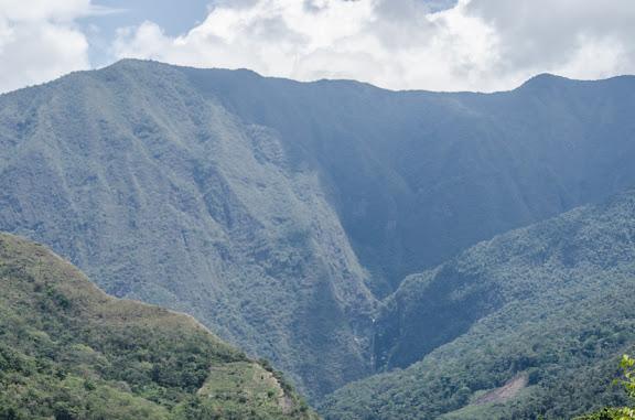 Paysage des Yungas près de Coroico, 16 octobre 2012. Photo : C. Basset