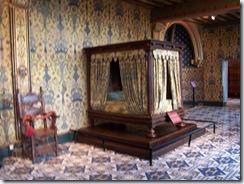 2004.08.28-020 chambre du roi du château
