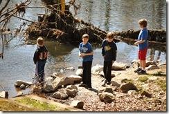 kids-at-river