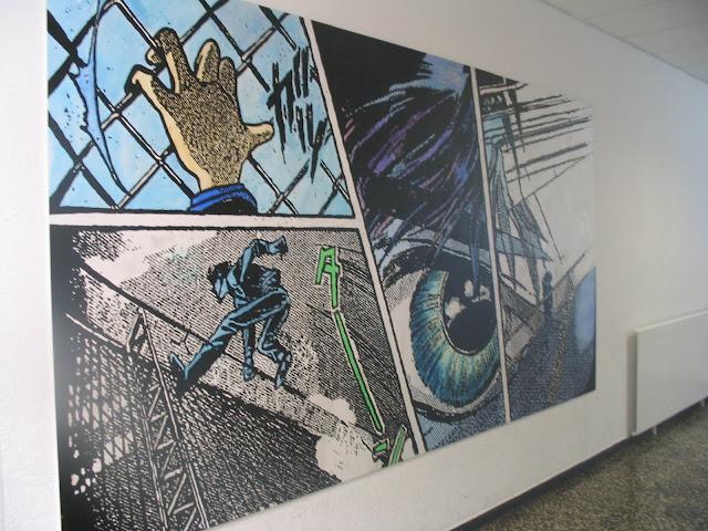 Malerische Umsetzung eines Ausschnittes aus einem Manga, Arbeit einer Gruppe aus dem Jahrgang 10 während einer Projektwoche