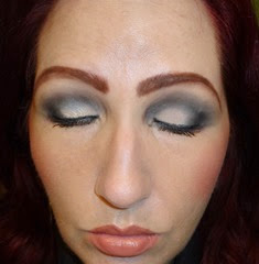 All Access Glam Gold & Silver Eye and Face Palette_Silver look eyes closed