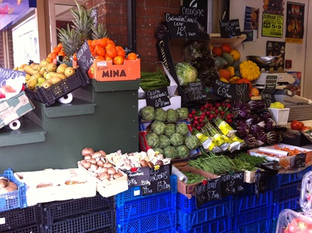 how to get organic grocers to stock your produce