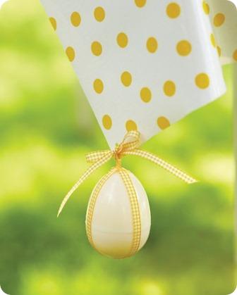 mld105925_0411_egghunt_kidtable_012_tablecloth_vert