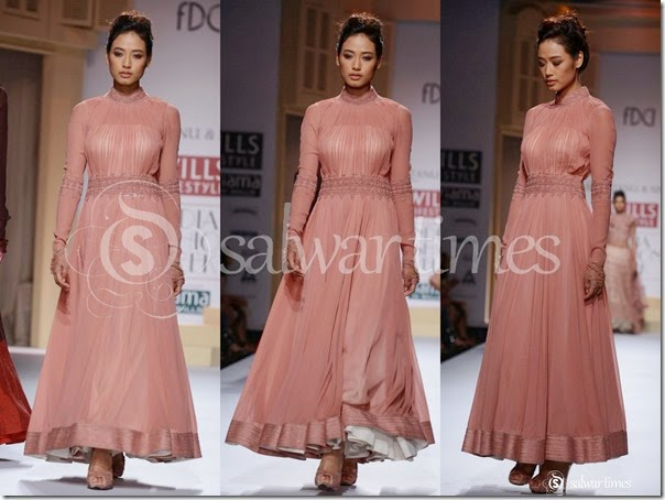 Shantanu_and_Nikhil_Full_Sleeves_Long_Kameez
