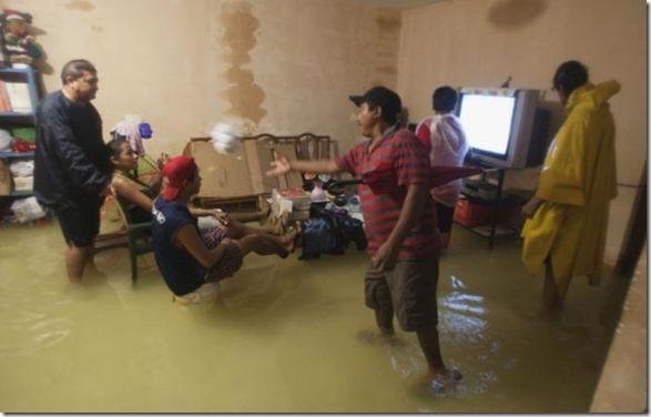 happy-flood-people-8