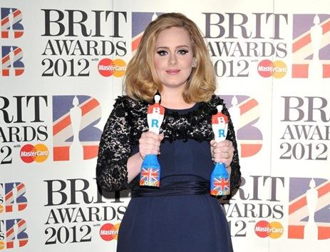 Adele en los Brit Awards 2012