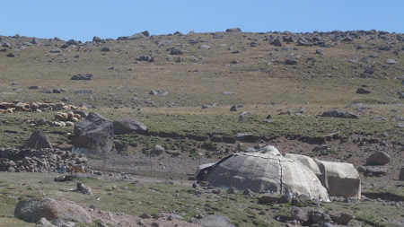 Iran hills: nomadic settlements
