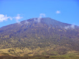 A view of Rinjani from the trail from Sembalun (Dan Quinn, November 2013)