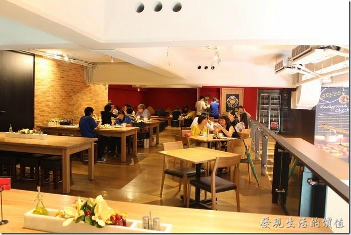 溫德餐館內湖店二樓的空間。