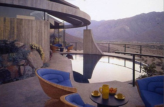 The-James-Bond-House-19