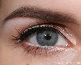 c_EyemazingLinerVolcanoXtraMascaraManhattan3