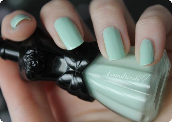 "Anna Sui 905 ""mint green"""