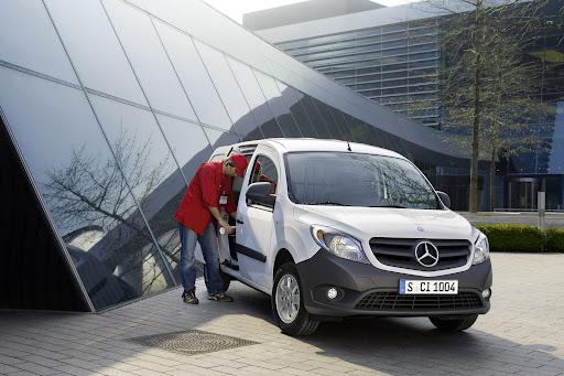 2013-Mercedes-Citan-08.jpg