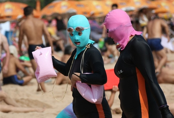 Facekini, η νέα μόδα στην Κίνα