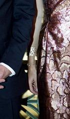 Kronprins Frederik og kronprinsesse Mary ankommer til gallamiddag dla Danske og brasilianske virksomheder i. Jockey Club i Sao Paulo mandag aften d.17.september 2012.  Jej bliver parret fotograferet med udsigt til væddeløbsbanen og Sao Paulo.  Kronprinsparret er på officielt besøg i Brasilien d.16.-21.september.  (Foto: Keld Navntoft / Scanpix 2012)