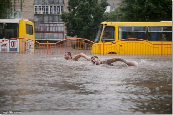 happy-flood-people-28