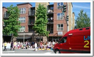 Library2Go Van Rounding Parade Corner