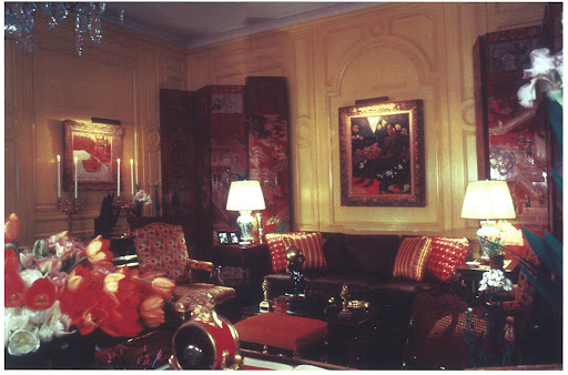This salon lives up to the red theme of this Friday's post.