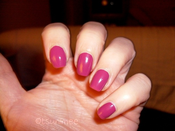 008-accessorize-polish-heart-beat