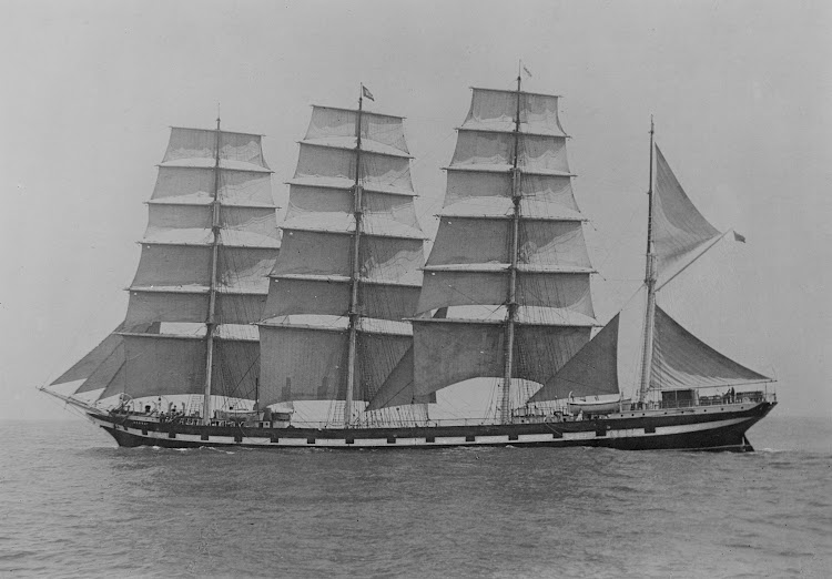 El MEDWAY en navegación. Foto del State Library of Victoria. Allan C. Green Collectión. Wikipedia.jpg