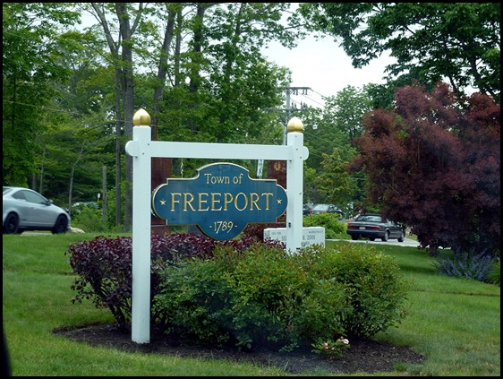 01d - Heading north on Rt 1 - Arriving in Freeport
