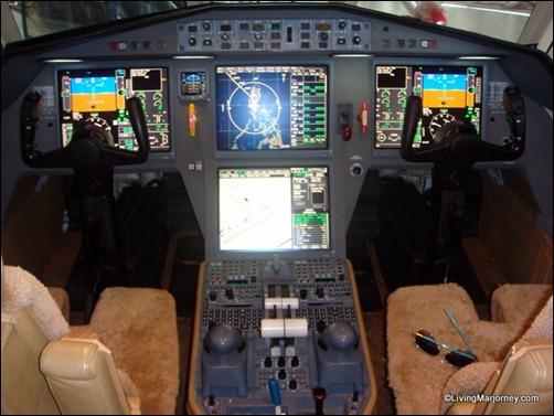 Pilot's Seat Dassault Falcon 2000LX