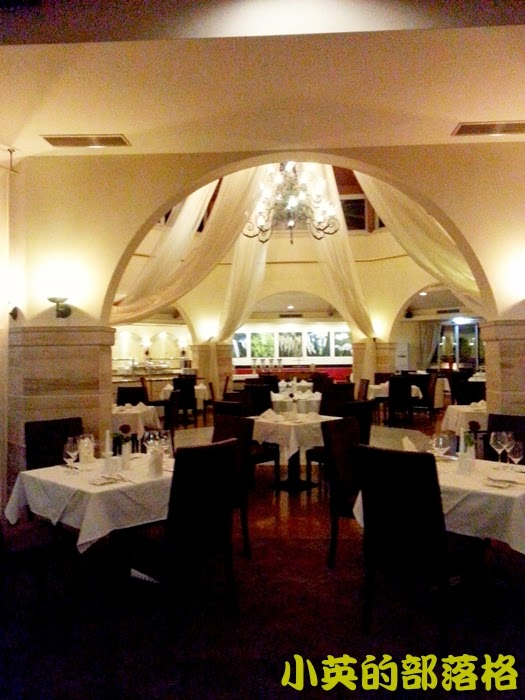 1020-2阿爾巴尼亞飯店晚餐餐廳5.jpg