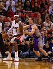 lebron james nba 121105 mia vs phx 09 King James wears 5 Colorways of Nike LeBron X in 6 Games