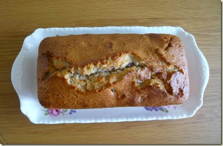cherry and almond yoghurt cake3
