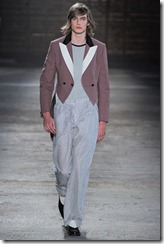 Alexander McQueen Menswear Spring Summer 2012 Collection Photo 19
