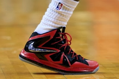 nike lebron 11 xx sneaker sales 1 02 James Isnt Wearing the Nike LeBron 11, But Its a Hot Seller!