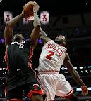 lebron james nba 130510 mia at chi 18 game 3 Heat Outlast Bulls in Physical Game 3 to Lead the Series 2 1