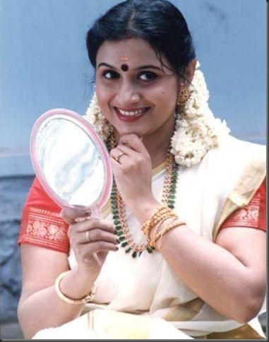 Old Actress Suchitra Hot In Transparent Saree Photos