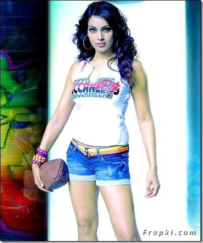 Bipasha Basu Short Jeans