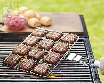A quick and easy way to make sliders on the grill. (williams-sonoma.com)