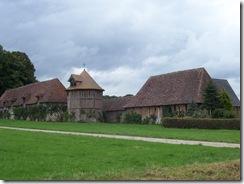 2012.08.12-018 dépendance du château de Launay