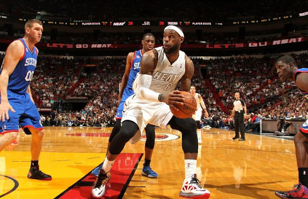 King James Debuts New LeBron X PE 26 in Return From Injury