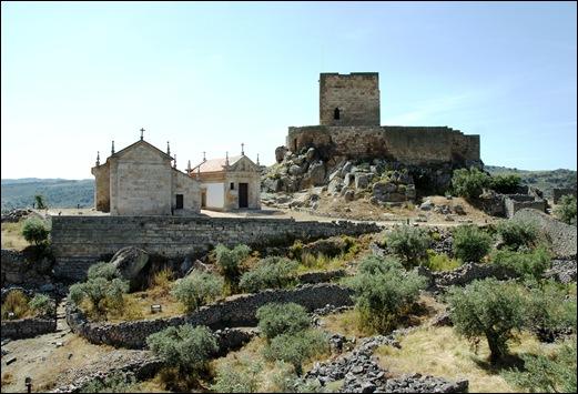 Marialva - Glória Ishizaka - igreja de santiago, capela do senhor dos passos e castelo