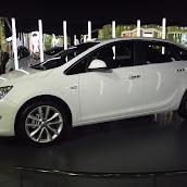 2013-Opel-Astra-Sedan-3.jpg