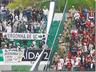 Protesto-Faixa-Santa-Catarina