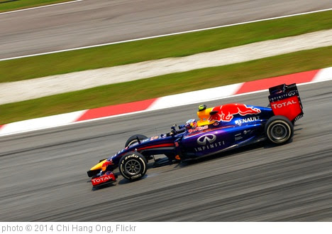 'Daniel Ricciardo' photo (c) 2014, Chi Hang Ong - license: https://creativecommons.org/licenses/by-sa/2.0/