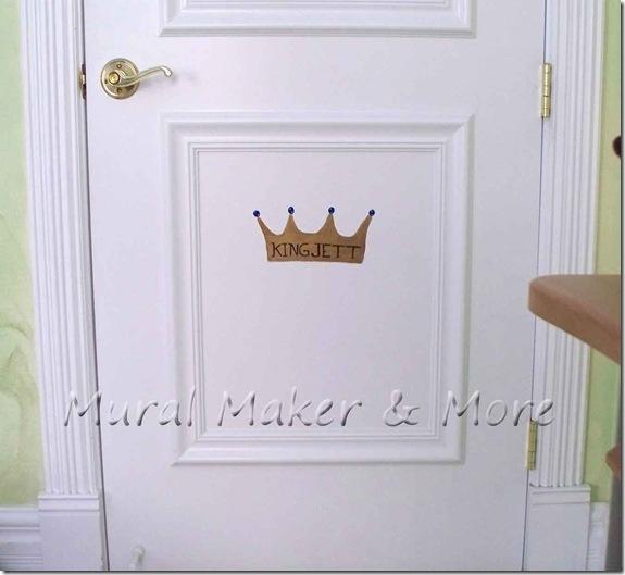 Crown-Mural
