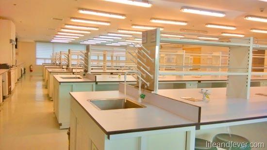 De La Salle medicine skills lab