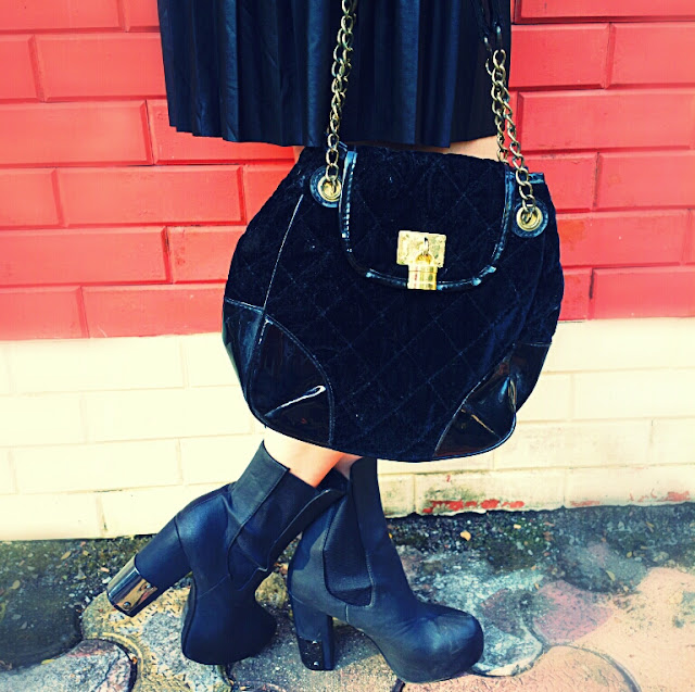 Ankle Boots & Black Quilted Bag