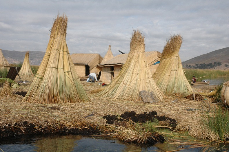 uros-floating-island-14