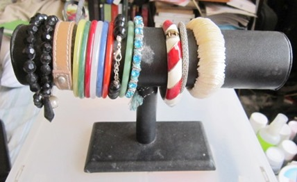 bracelet holder, bitsandtreats