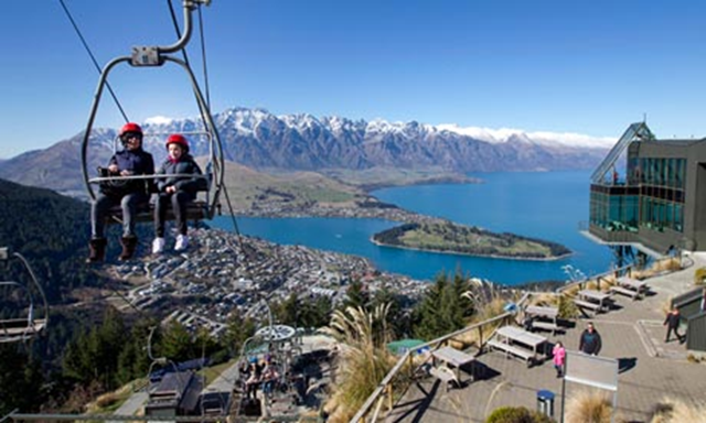 A bright sunny winter day at Queenstown, Lake Wakatipu and the Remarkables, in the South Island of New Zealand. Scientists said on Tuesday, 3 September 2013, that the South Pacific nation had its warmest winter since record-keeping began more than a century ago. Photo: Mark Mitchell / AP